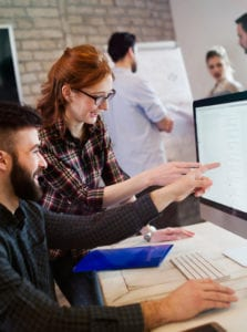 Szkolenia online przydatne na rynku pracy